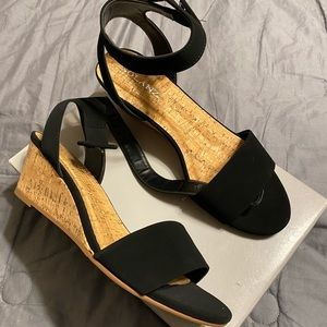 Brand new sandals !!